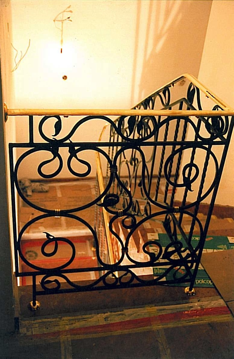 Balustrada_kuta__pochwyt_mosiezny_SKMBTC25007012712290