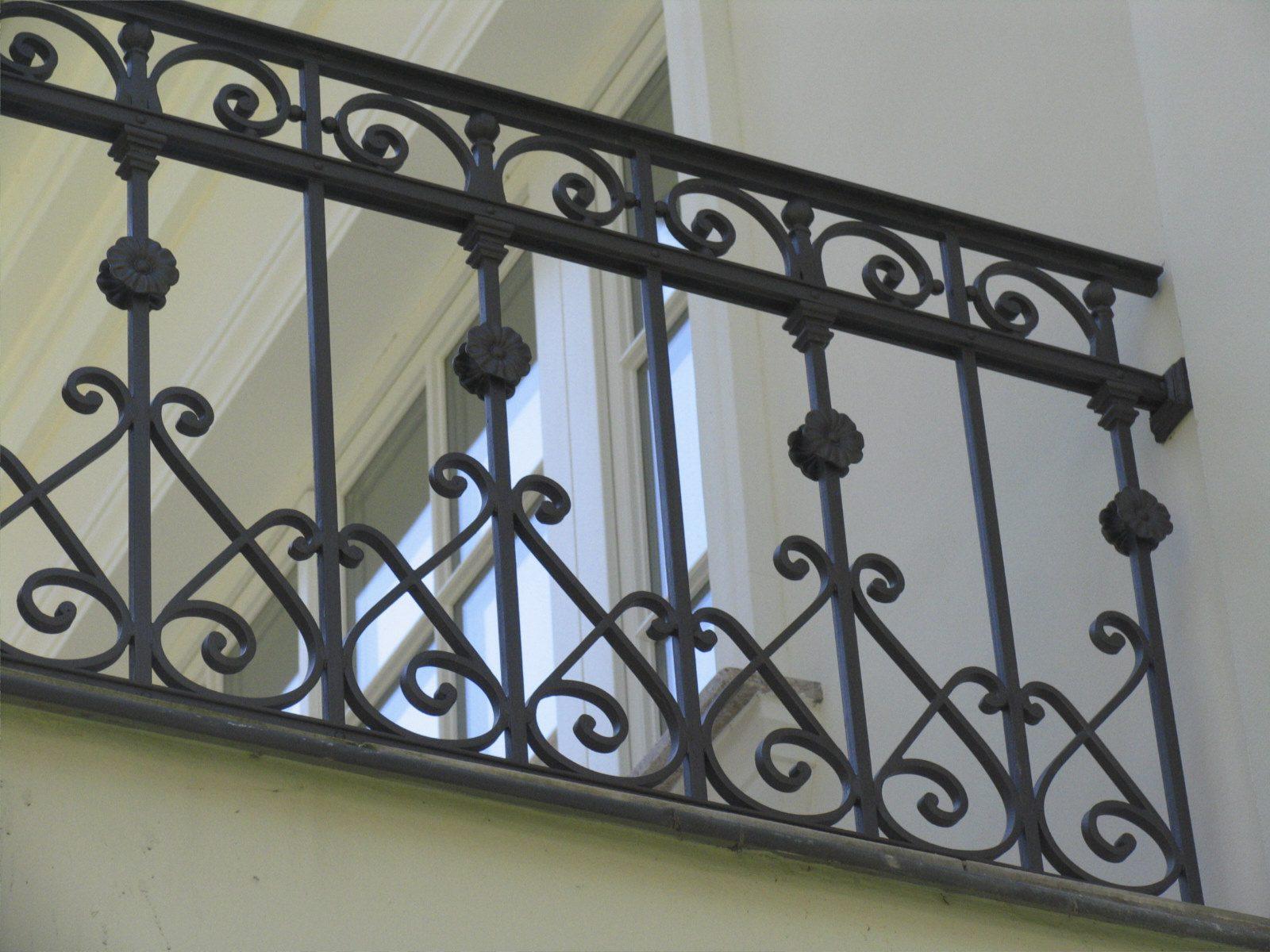 Balustrada_tarasowa_w_stylowej_willi_w_Izabelinie_IMG1292
