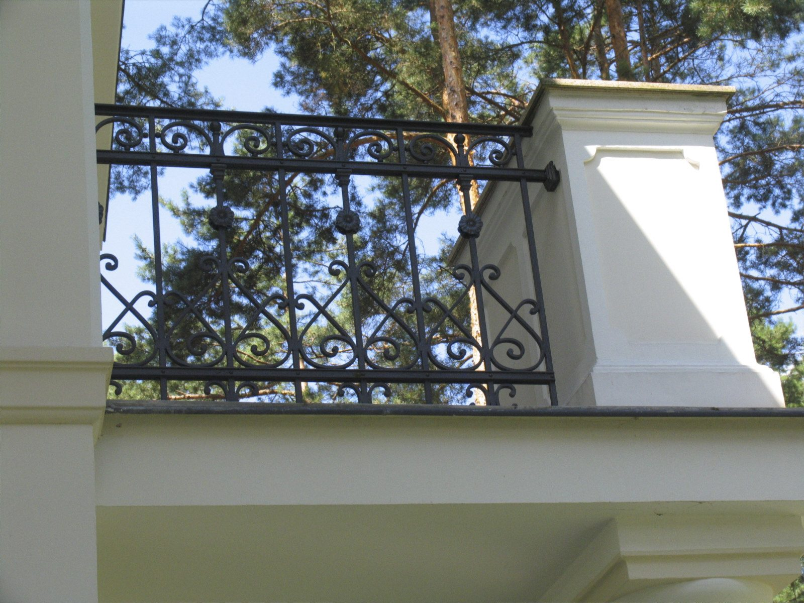 Balustrada_tarasowa_w_stylowej_willi_w_Izabelinie_IMG1293