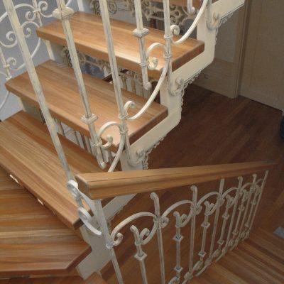 konstrukcja_schodow__balustrada_kuta__stopnie_drewniane_Obraz_333