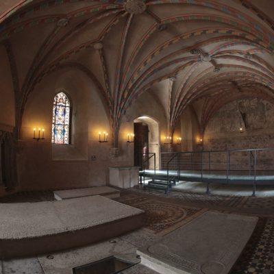 Swieczniki_w_kaplicy_na_zamku_w_Malborku_098A9569