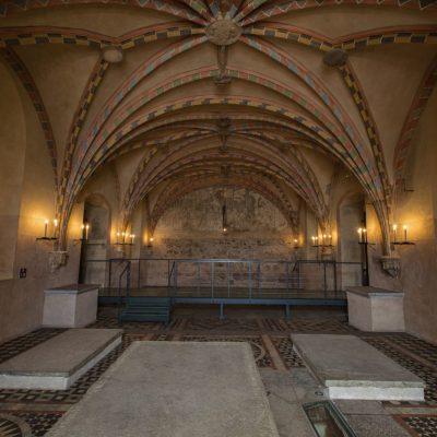 Swieczniki_w_kaplicy_na_zamku_w_Malborku_098A9580